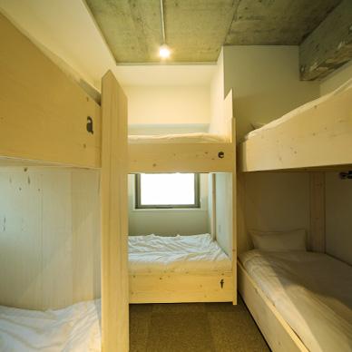 top-room-001