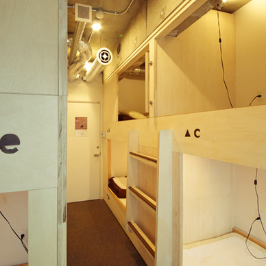 top-room-003