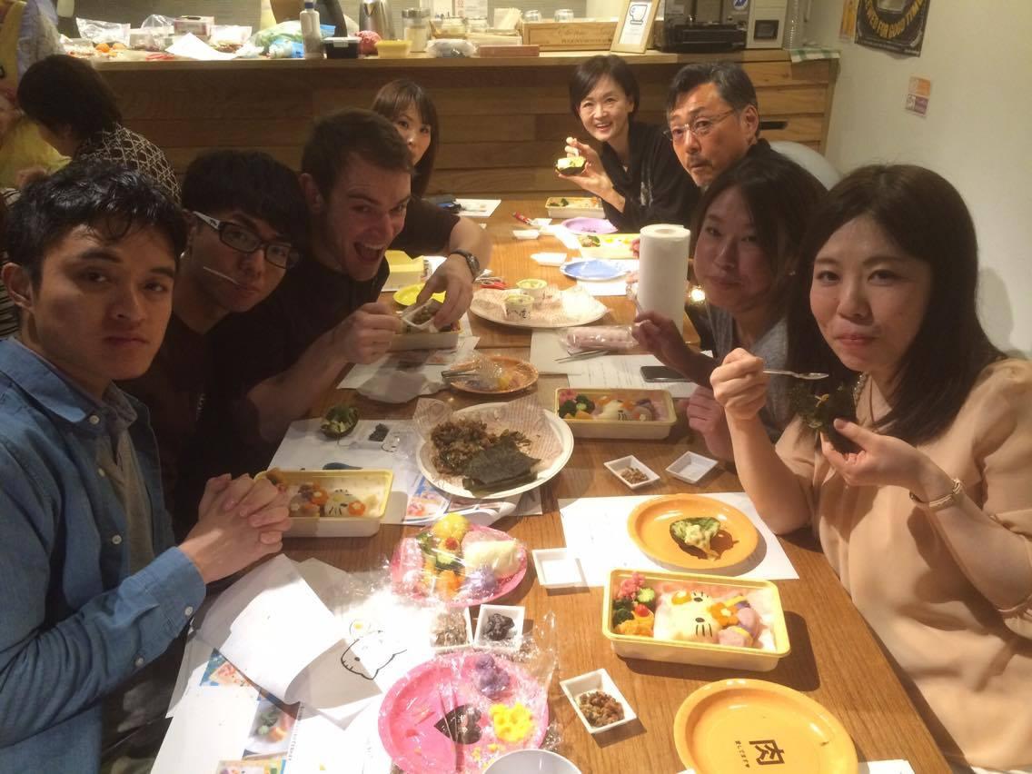 みんなで作るかわいいお弁当(*^^*)わくわくします(*^^*)